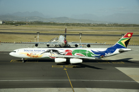 SAA jet painted in Olympic games logo Redakční