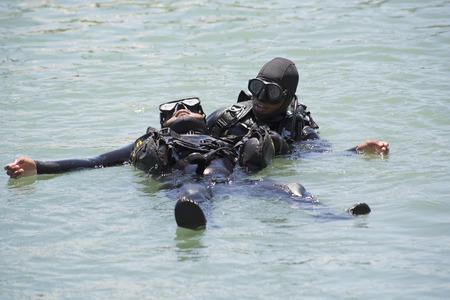 Profondo addestramento subacqueo mare Gordons Bay Sud Africa Archivio Fotografico - 36729818