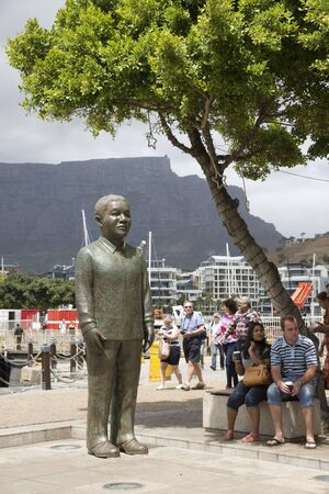nobel: Nelson Mandela statue on Nobel Square at the V&A Waterfront Cape Town S Africa
