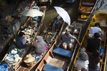 damnoen saduak: The Damnoen Saduak Floating Market about 60 miles from Bangkok Thailand Editorial
