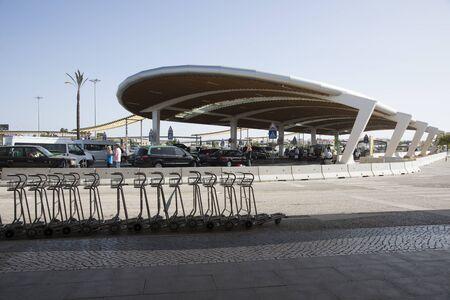cobrar: Aeropuerto dejar y recoger zona Editorial