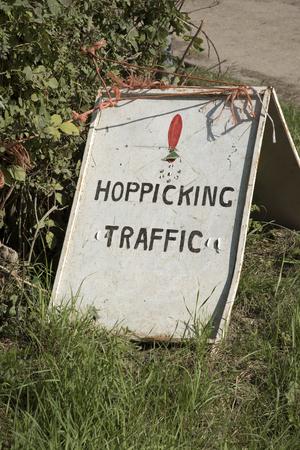 kent: Hop picking traffic warning sign at Sandhurst Kent England Stock Photo