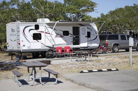 campsite: Campsite Florida USA - October 2016 - Car and caravan on a pitch in a Florida campsite Editorial