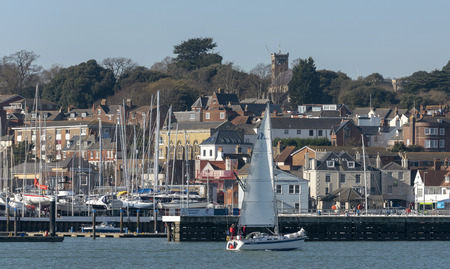 Cowes, Isle of Wight, UK, February 2019. Located on the westbank of River Medina estuary. Famous yachting centre. 報道画像