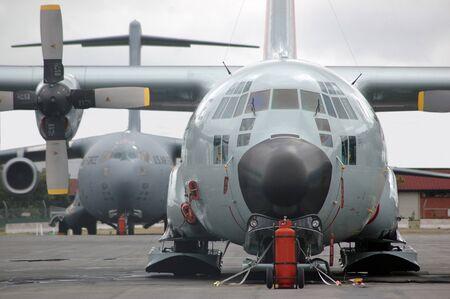 deep freeze: Christchurch, Nueva Zelanda, alrededor del a�o 2007: EE.UU. Airforce Globemaster espera sobre el asfalto en la Base de Deep Freeze alrededor del a�o 2007 en Christchurch, Nueva Zelanda.