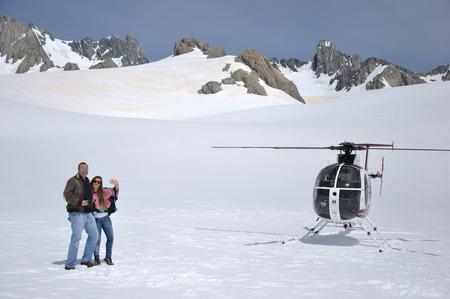 franz josef: FRANZ JOSEF GLACIAR, NUEVA ZELANDA 24 de diciembre 2009 unos no identificada disfrutar de la nieve por encima de Franz Josef Glacier, Westland, Nueva Zelanda