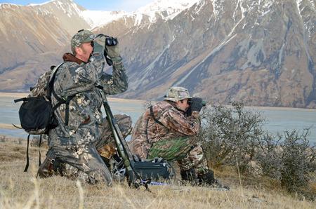 Hunters Scoping für Himalajatahr in den südlichen Alpen Neuseelands Standard-Bild - 26291087