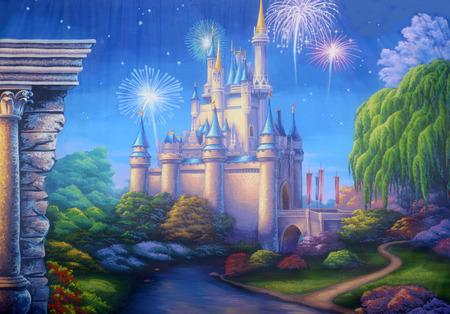 Theater achtergrond met een scène met vuurwerk exploderen in een middeleeuws kasteel