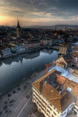 Widok z Grossmuenster, Z�rich, w Szwajcarii.