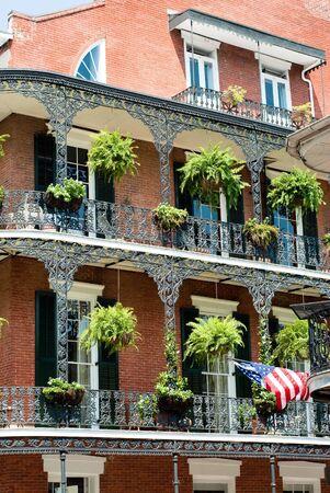 New-Orleans-Architektur in Bourbon street, Französisch Quartal  Standard-Bild - 5692064