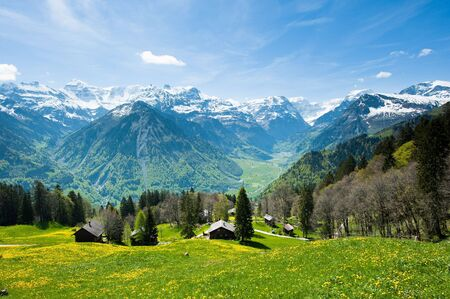 Panoramic view from Braunwald in Spring, Glarus, Switzerland 版權商用圖片
