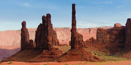 totem indien: Panorama de m�t tot�mique de Monument Valley, parc Navajo, Utah, �.-u.