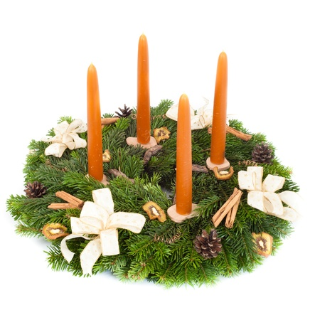 adventskranz: Advent wreath isolated on white