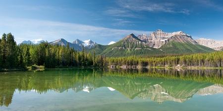 Herbert Lake w Parku Narodowym Banff, ciągu kilku sekund Zdjęcie Seryjne