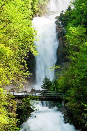 swiss alps: Wodospady Giessbach, Brienz, Szwajcaria