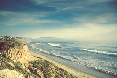 Encinitas California Ocean Shore, United States. Sandstone Cliff and the Sandy Beach Standard-Bild