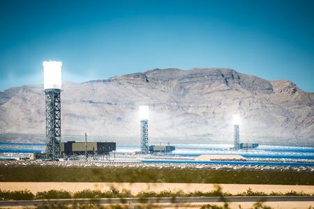 Concentrated Solar Thermal Plant in the California Mojave Desert, United States. Archivio Fotografico
