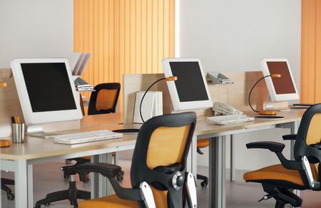 현대 사무실에서 LCD 화면과 컴퓨터