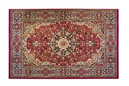 alfombra roja con adornos orientales aislados sobre fondo blanco