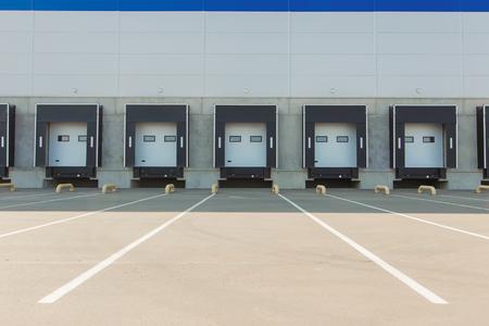 Opslag ingangen, nieuwe grote warehouse Stockfoto