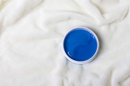 Hydrogel blue cosmetic jar for eye patches