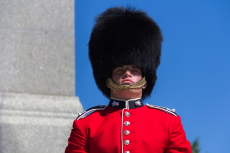 ceremonial: Standing Ceremonial Guard and guarding in Ottawa, Ontario, Canada Editorial