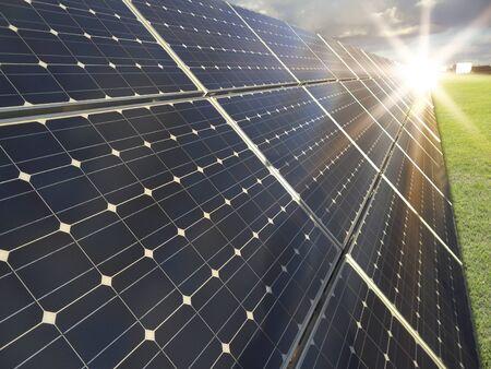 Energiecentrale met behulp van hernieuwbare zonne-energie Stockfoto