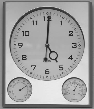 barometer: clock barometer