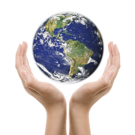 due mani con la terra