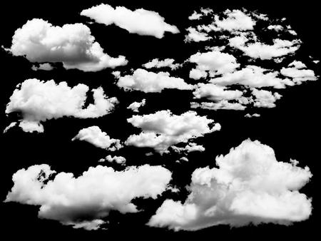 Verzameling van geïsoleerde wolken boven zwart. Ontwerp elementen