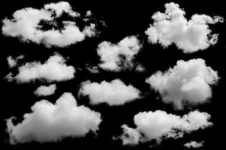 aislado: Conjunto de nubes aisladas sobre negro. Los elementos de diseño
