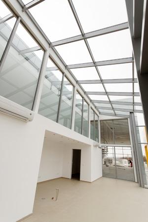 empty: empty room