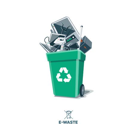 Les déchets électroniques en vert bac de recyclage des appareils électriques et électroniques mis au rebut tels que moniteur d'ordinateur, téléphone portable, radio, télévision, caméra vidéo, clavier, batterie de voiture, de fer et de la souris. Isolated e-déchets dans la poubelle sur le concept backgro blanc Vecteurs