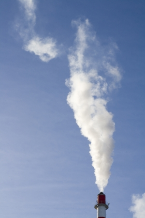 Industrial smoke from heating factory Stock Photo - 17140729