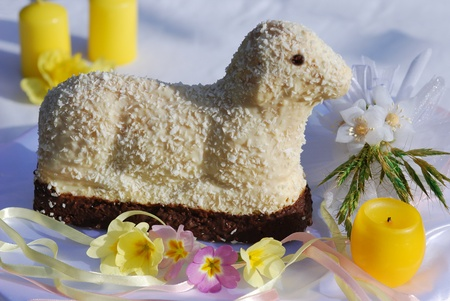 Easter cake table decorations