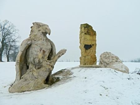 bahaullah: Eagle statue