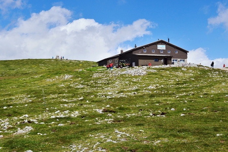mountain hut: View of the mountain hut, Hochschneeberg Stock Photo