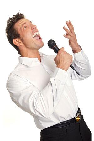 Karaoke mit Mann im weißen Hemd Gesang Standard-Bild - 29468218