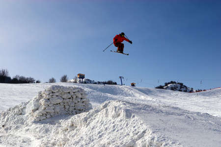 springboard: Extreme Jump con trampolín  Foto de archivo
