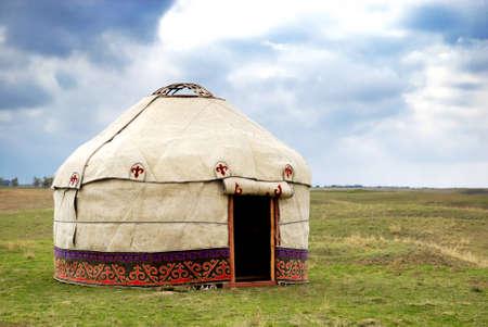 kyrgyzstan: Yurt - n�mada de la tienda es el nacional de vivienda de Kazajst�n y Kirguist�n pueblos Foto de archivo