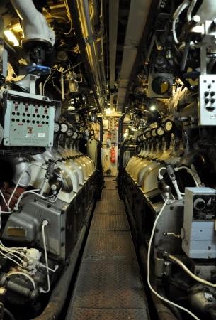 engines in a submarine Redakční
