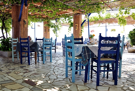 taverna: Greek taverna