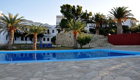 swimm: Exotic tropical resort Editorial