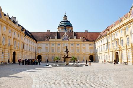 Barockkloster, Österreich Standard-Bild - 87142385
