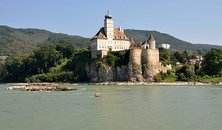 Festung im Tal der Wachau, Österreich Standard-Bild - 87142387