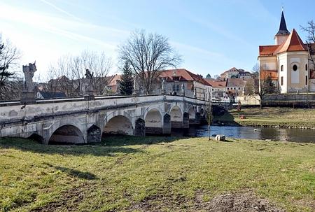 Alten Backstein und Stadt Namest nad Oslavou, Tschechische Republik, Europa Standard-Bild - 89893979