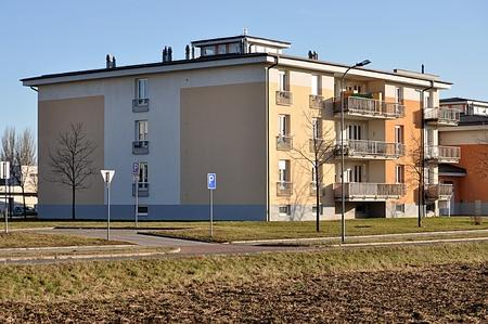 Modernes Gebäude Standard-Bild - 89893980