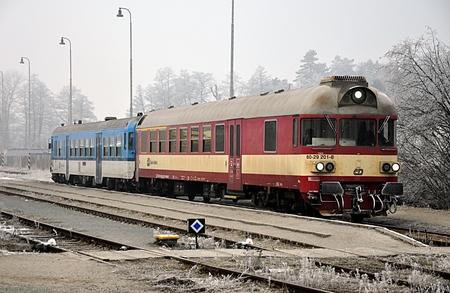 locomotief in de winter