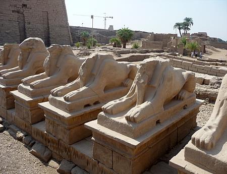 monastery Carnac, city Luxor, Egypt, Africa Standard-Bild - 114942467