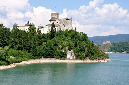 old castle Niedzica, Poland, Europe Standard-Bild - 114942481